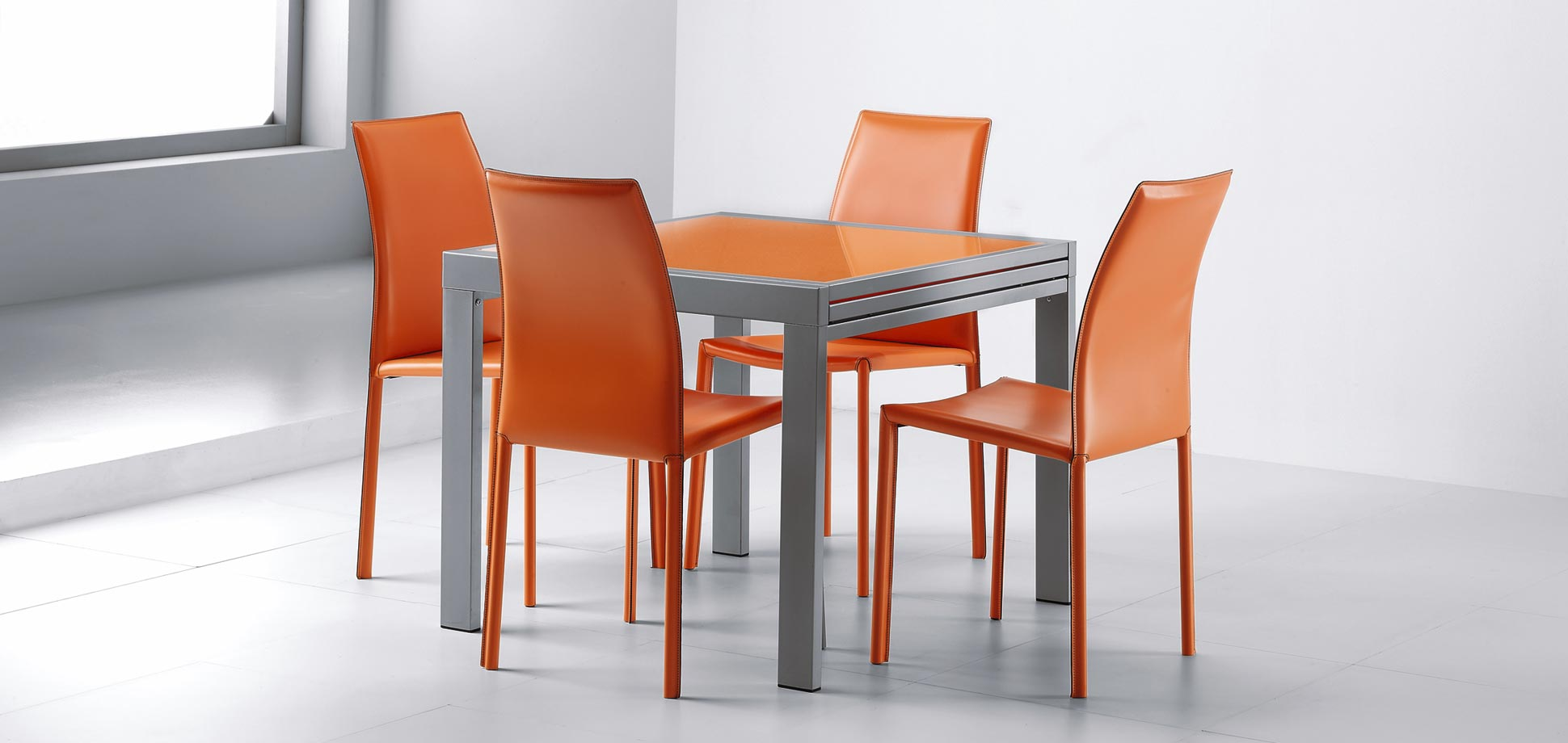 Ortensia Chair - Sting Table